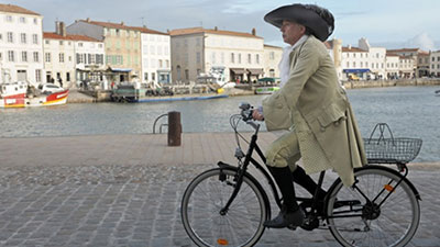 J'Adore! Cine Club: Bicycling With Moliere
